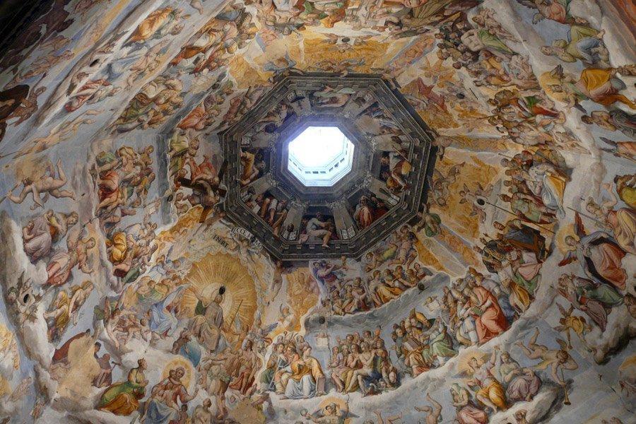 Cúlula de Brunelleschi (fonte:https://cdn.civitatis.com/guias/florencia/fotos/cupula-brunelleschi.jpg)